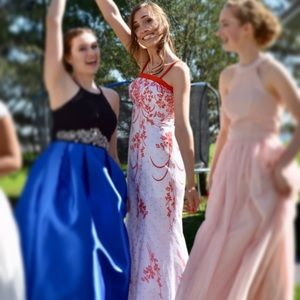 Windsor size 2 White and Coral Prom Dress